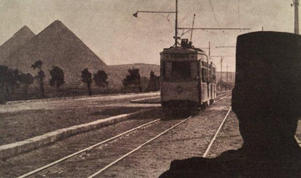 Le Caire: le tram des Pyramides